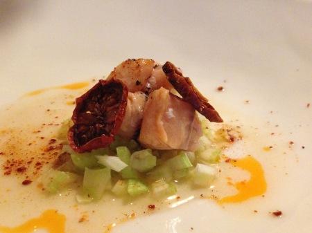 Blåhammaren sep 2014_4 Ceviche Röding gransirap och bladselleribädd, chiliolja, krossade lingon